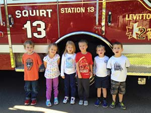 History-Community-kids-with-FireTruck